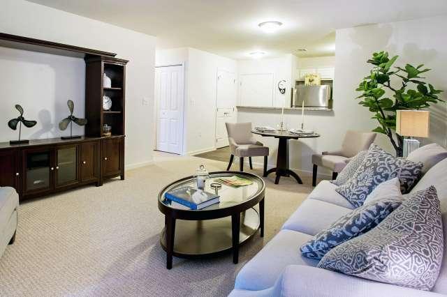 Summit At Saratoga Apartment Living Room
